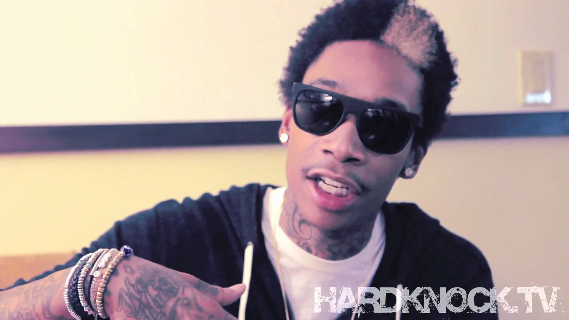 Wiz Khalifa talks Rolling Papers, Best TGOD statement + Amber Rose Footage interview by Nick Huff Barili